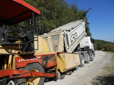 Unloading of the STABILPAVE-treated inert