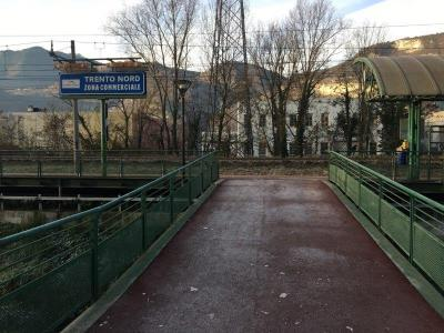 Frozen pedestrian boardwalk - Trento North station